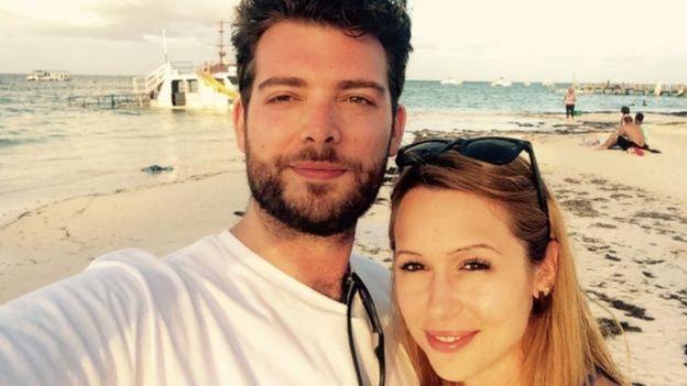 Courtney McClure com seu marido Alex