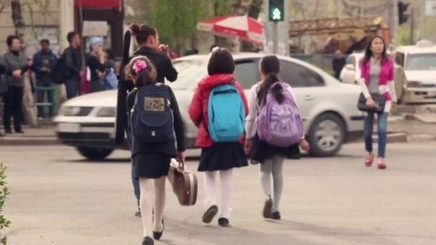 Бишкекте көзөмөл күчөтүлгөнү менен айдоочулардын жоопкерчилиги артып кеткен жок дейт активисттер.