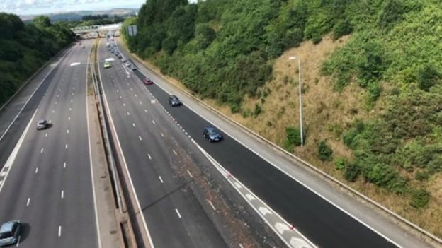 Dead chickens cause M5 motorway tailback near Exeter - BBC News
