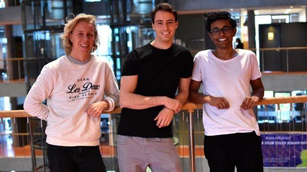 Maths Mathisen, Florian Winder y Vinoth Vinaya. (Foto: Hold).