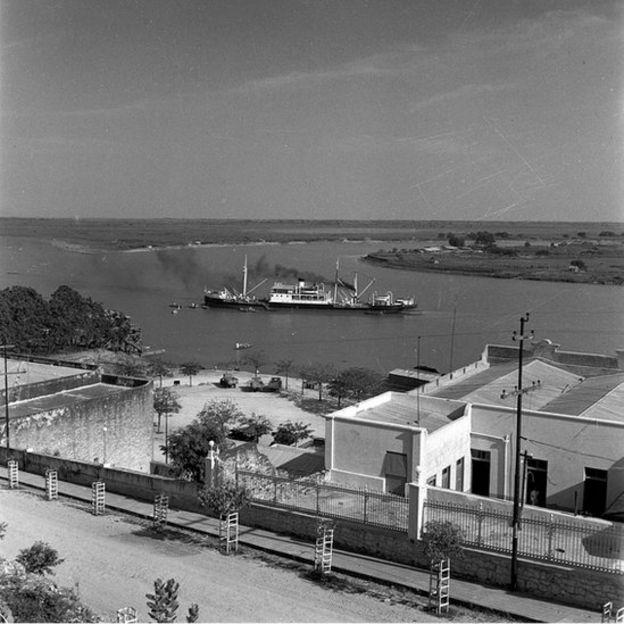 Barco a orillas de Asunción.