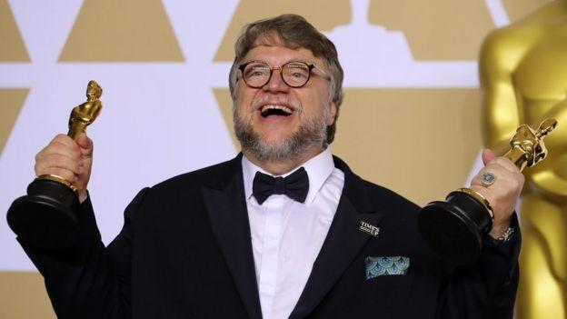 Guillermo del Toro exultante