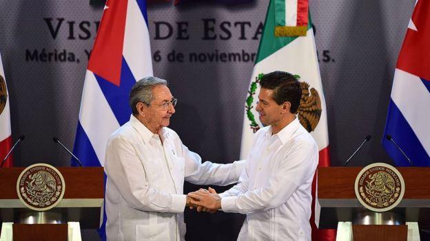 Raúl Castro y Enrique Peña Nieto.