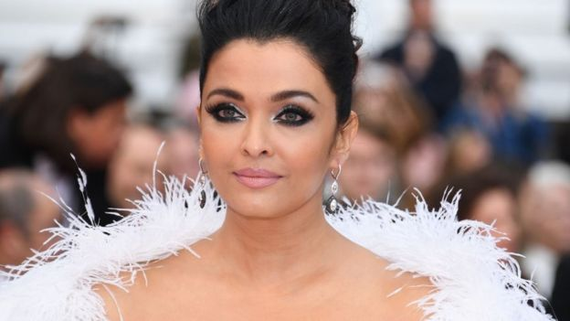 Aishwarya Rai es una ex Miss Mundo y una muy exitosa actriz de Bollywood.