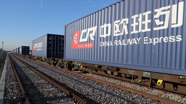 歐盟是中國其中一個最大的貿易伙伴。圖為去年1月從中國到英國的貨運列車。