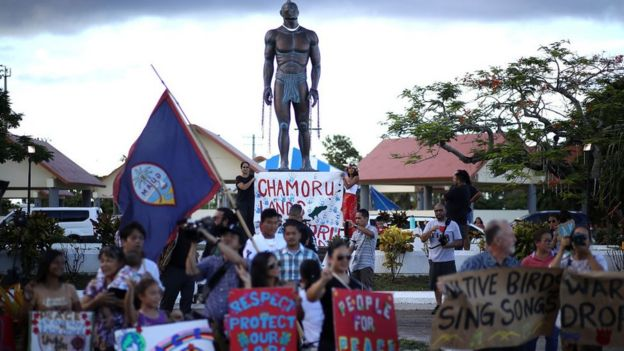 Manifestación pacifista en Guam.