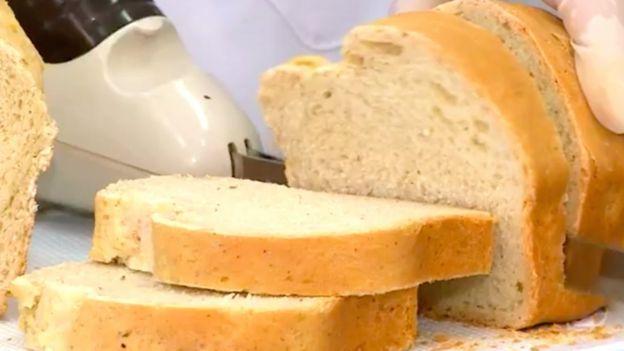 Rebanadas de pan.