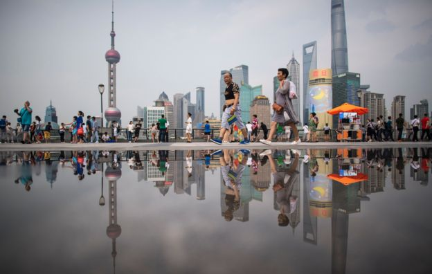 Shanghai shoppers