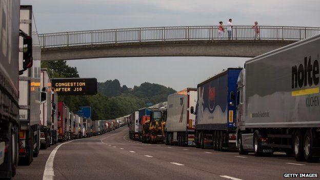 Trucks queue on the M20
