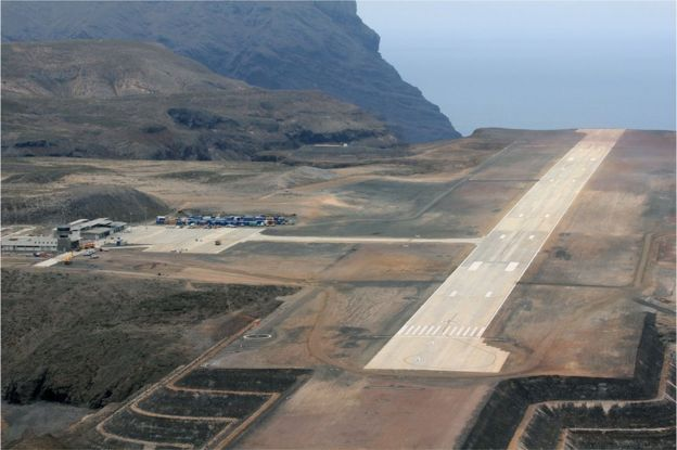 St Helena's new airport, 13 October