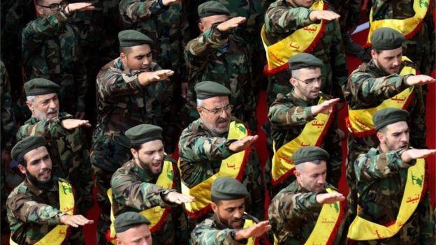 Miembros de Hezbolá en Nabatieh, al sur de Líbano.