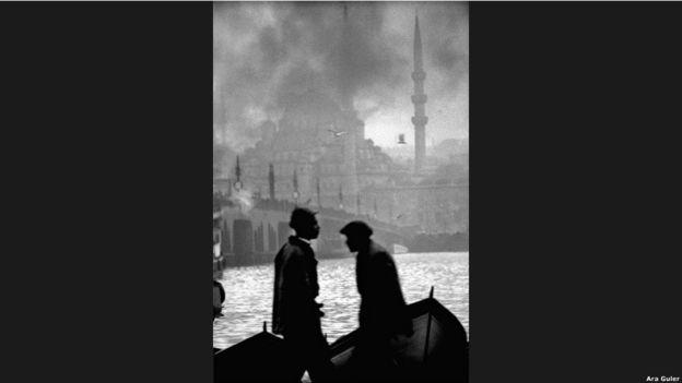 """""""1950-60'lardan kalma İstanbul fotoğraflarım olmasa, o eski günler, bugün unutulmuş olacaktı."""""""