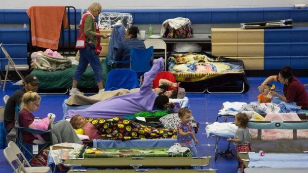 Un centro de refugio en Houston