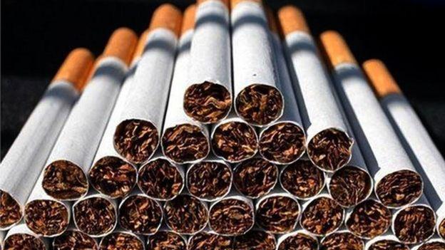 معاون وزارت بهداشت ایران: مافیای دخانیات با ارز دولتی کاغذ سیگار وارد کرده