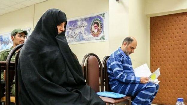 حمدرضا لشگریپور متهم دیگر این پرونده هم محکومیتی مشابه شبنم نعمت زاده از دادگاه گرفته است