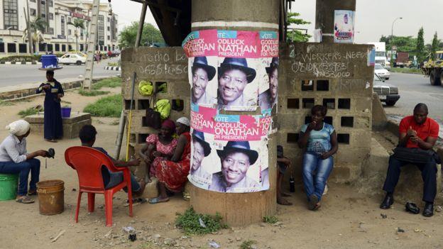 En 2014 el presidente nigeriano Goodluck Jonathan firmó una ley que prohibía el matrimonio entre personas del mismo sexo
