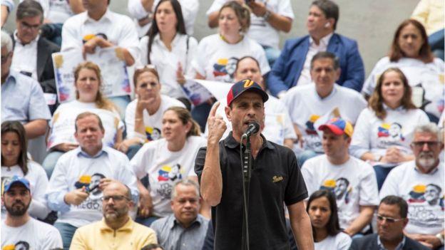 Henrique Capriles en un mitin
