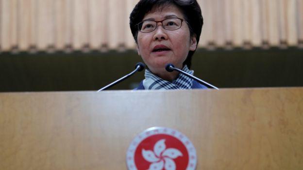 """林郑月娥形容示威者的行为具""""破坏性、摧毁性""""。"""