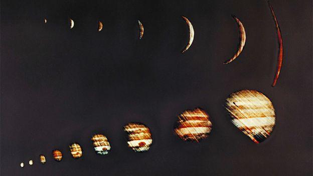 Le 4 décembre 1973, la sonde Pioneer 10 de la NASA a envoyé des images de Jupiter de taille croissante.