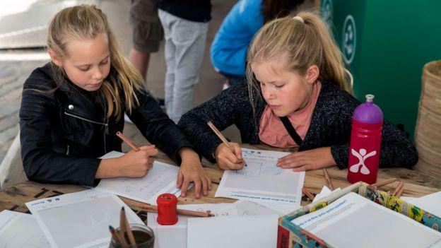 طلاب في الدنمارك