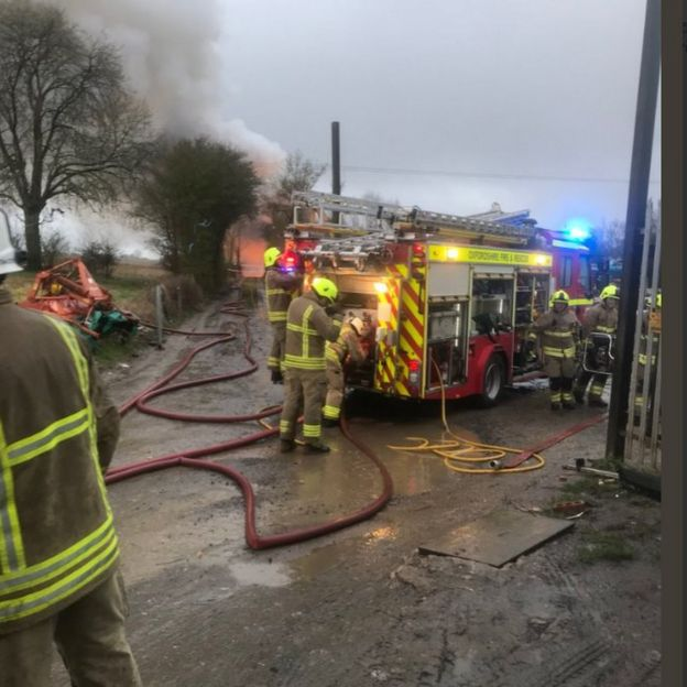 Fire rips through Great Rollright scrap metal yard - BBC News