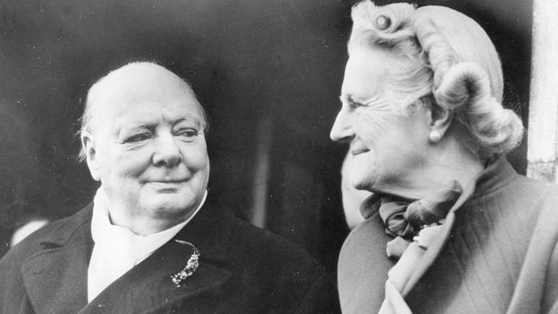 Winston Churchill e Clementine Hozier em 1951