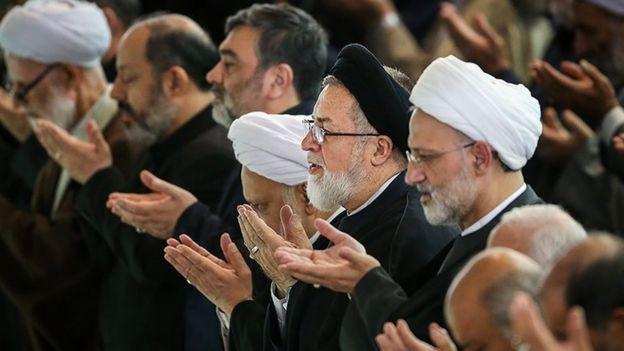 در کنار دامادش٬ محمدسعید مهدوی کنی٬ رئیس پیشین دانشگاه امام صادق