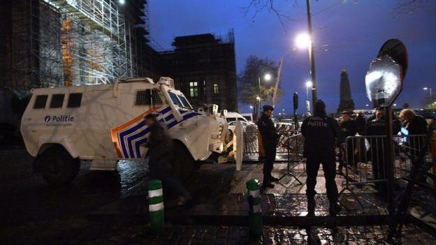 نقل صلاح عبد السلام من فرنسا للمثول أمام القضاء البلجيكي
