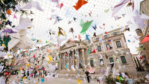 Origami birds in a WWF campaign inspired by Craftivist Collective