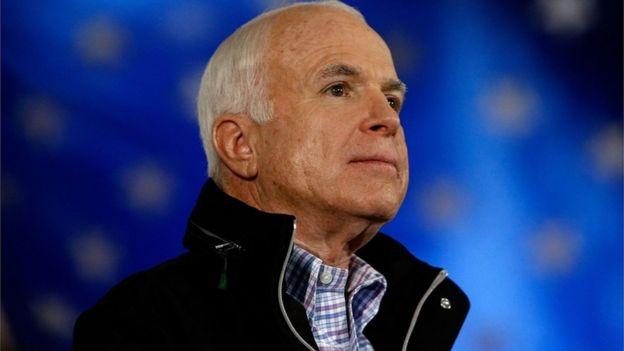مک کین در سال ۲۰۰۸ برای ورود به کاخ سفید با باراک اوباما رقابت کرد