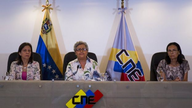 Ortega ordenó investigar a cuatro rectoras del CNE.