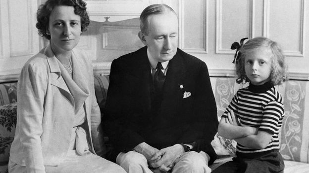 Marconi con su familia