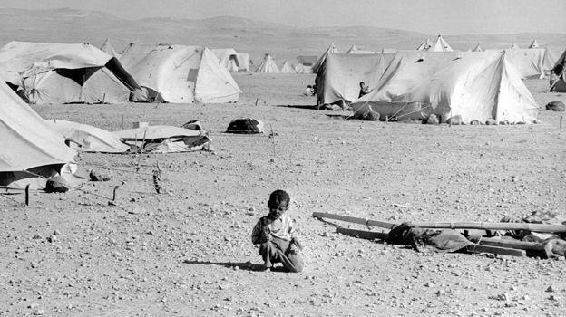 أجبر العديد من الفلسطينيين على ترك ديارهم أو هربوا منها بعد الحرب التي أعقبت استقلال اسرائيل