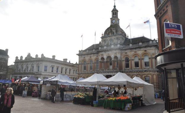 Pret A Manger pulls plug on Ipswich Cornhill store - BBC News