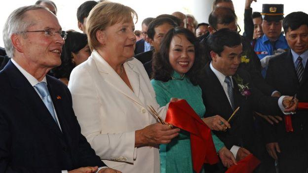 Thủ tướng Đức Angela Merkel trong chuyến đi thăm Việt Nam năm 2011