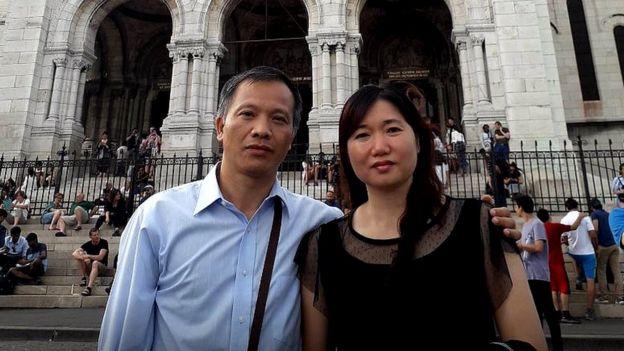 Luật sư Nguyễn Văn Đài (trái)
