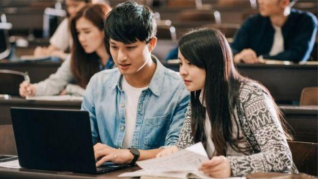 Estudantes chineses já representam uma parcela importante do faturamento das faculdades britânicas