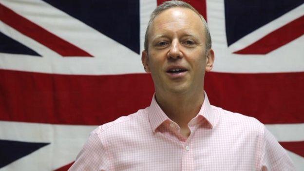 Đại sứ Vương Quốc Anh Gareth Ward dùng mạng xã hội khá thường xuyên để kết nối với bạn đọc tiếng Việt.