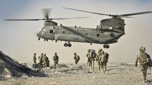 Soldiers approach Chinook