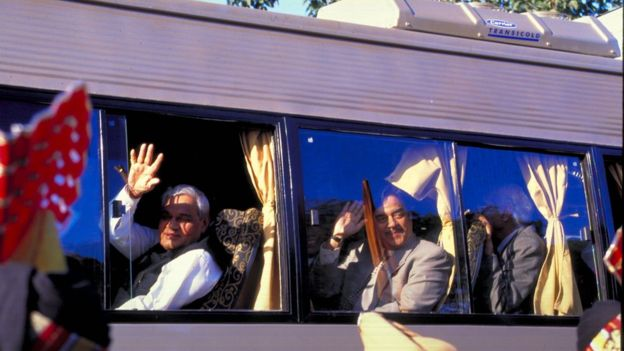 Atal Bihari Vajpayee and Nawaz Sharif ride a bus from Delhi to Lahore in 1999