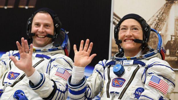 خانم کوچ راهپیمایی خارج از ایستگاه فضایی را با نیک هیگ، همکار مرد خود انجام خواهد داد