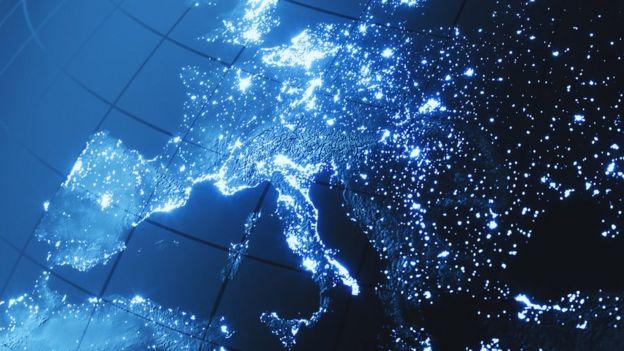 Mapa de Europa com pontos iluminados