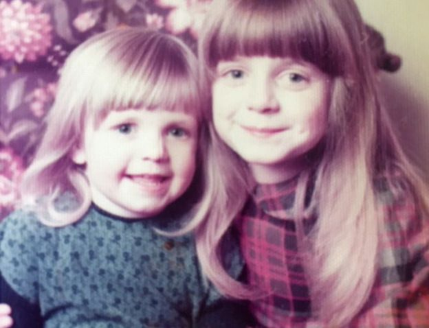 Jen (left) and her sister Jo pictured in 1977 or 1978