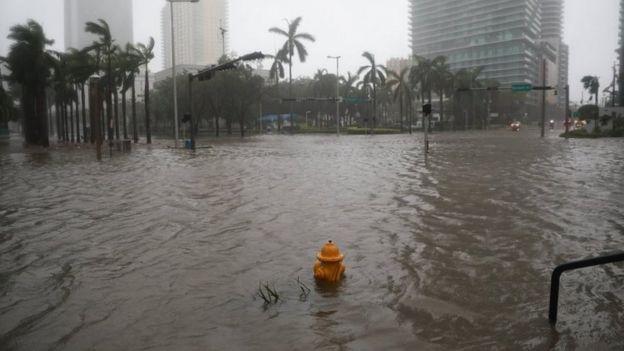 Calles de Brickell inundadas