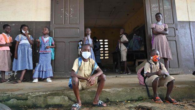 Alumnos de una escuela en Costa de Marfil
