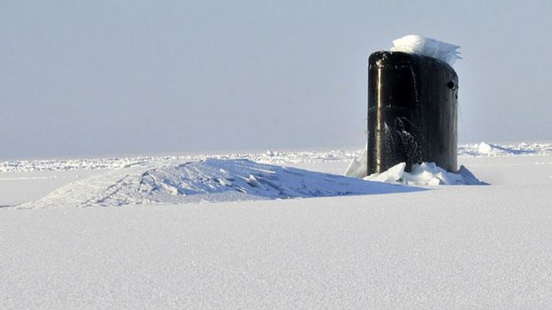 Um submarino dos EUA no oceano Ártico