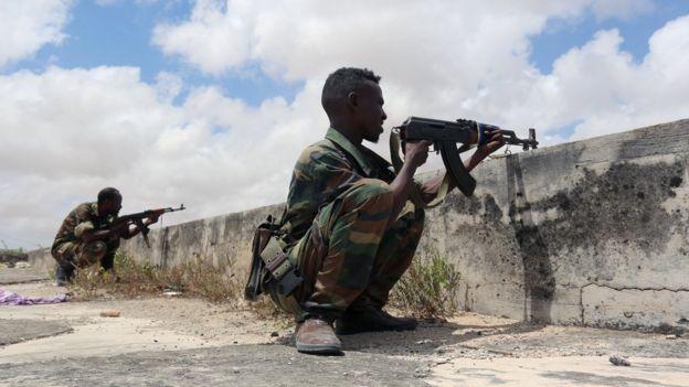 عناصر من الجيش الصومالي خلال معارك في مقديشو