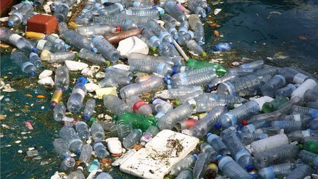 《國家地理》的調查還發現,美國人消費的每6瓶瓶裝水中,只有一個瓶子被回收。