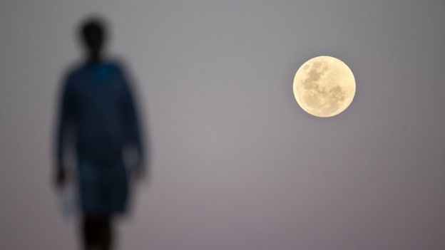 Eclipse lunar visto desde Sidney, Australia.