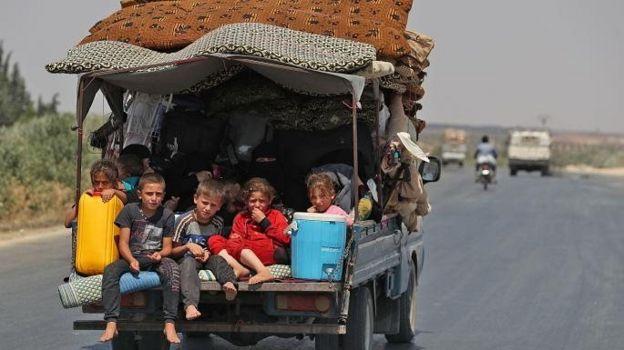 İdlib'den kaçan siviller